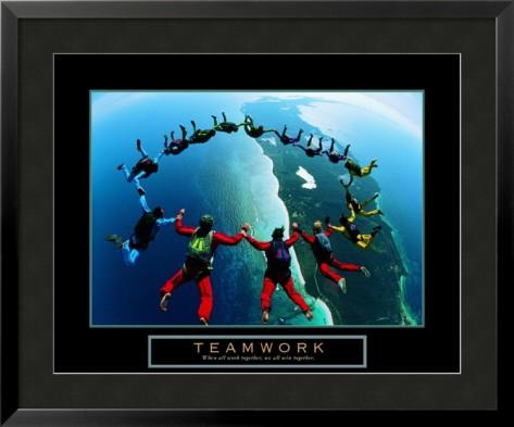 teamwork-skydivers-ii