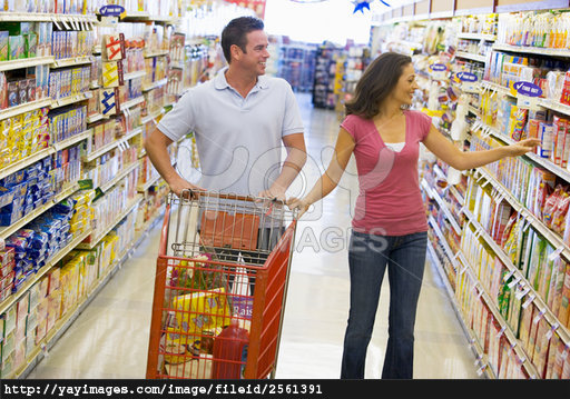 couple-shopping-in-supermarket-27156f