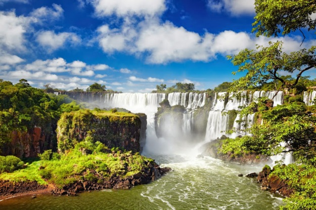 Iguassu Falls, the largest series of waterfalls of the world, located at the Brazilian and Argentinian border