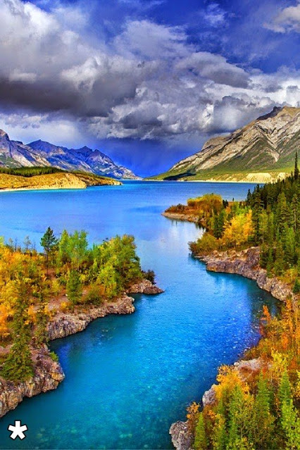 Abraham Lake in The Summer by Kevin McNeal  ΑΜΑΖ   GG  ΝΝ