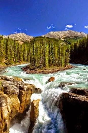 Sunwapta Fall, Jasper National Park, Canada