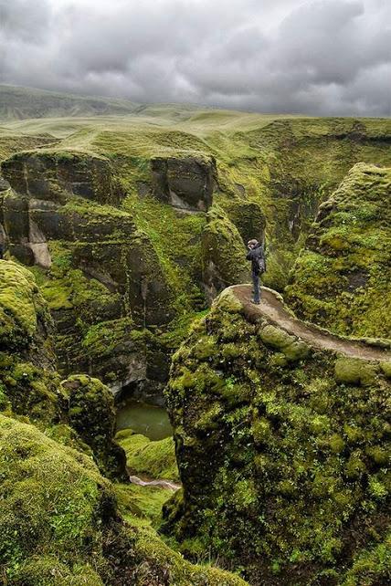 39.Fjaðrárgljúfur Canyon, Iceland.