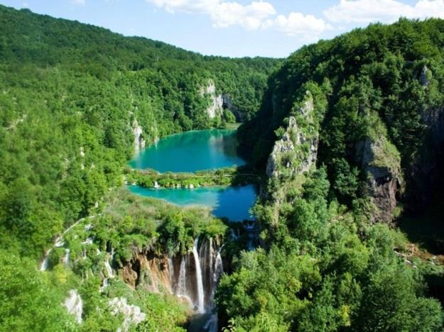 Plitvice-Lakes-in-Croatia