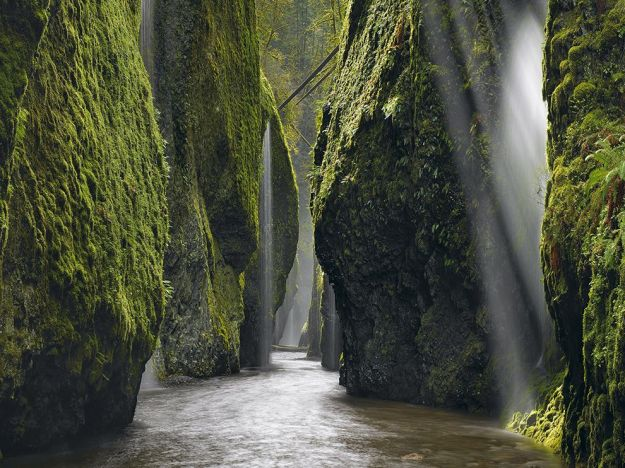 waterfall-canyon-gorge-oregon_80569_990x742