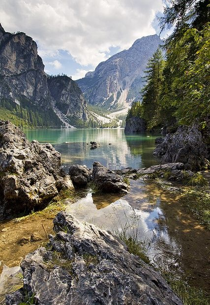lake braies dolomites italy4