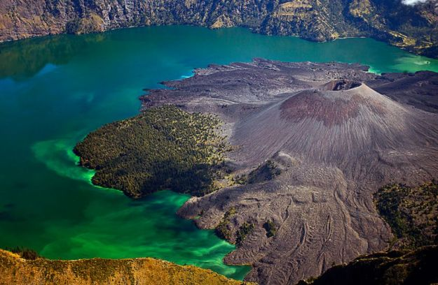 Crater lake Segara Anak located in Mount Rinjani, Lombok, Indonesia.